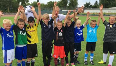 Ohne Kicken geht es nicht: Fußballcamp und Fußballschule in den Ferien