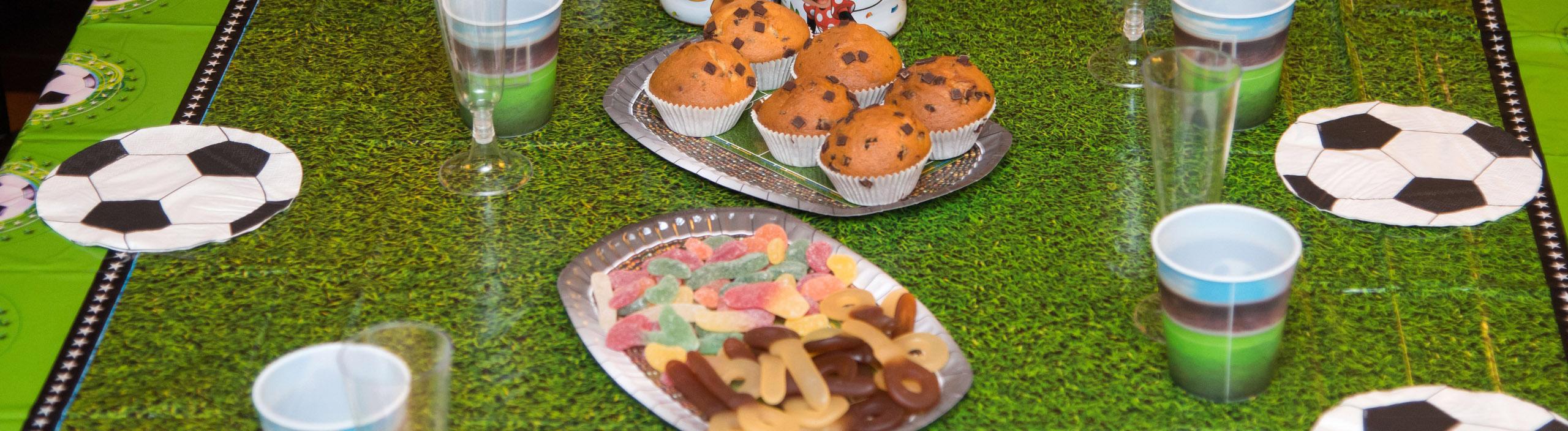 Ernährung im Kinderfußball: Zwischen Obst und Schokolade